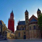 Zie de Sint Servaaskerk en de Sint Janskerk
